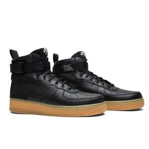 Nike SF Air Force 1 Mid Black / Gum